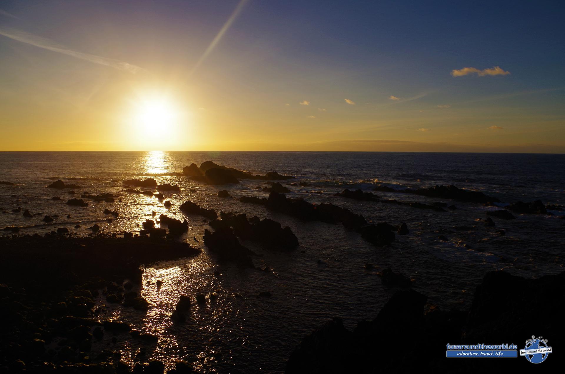Tolle Sonnenuntergänge lassen sich im Westen der Insel am Strand von Mosteiros erleben