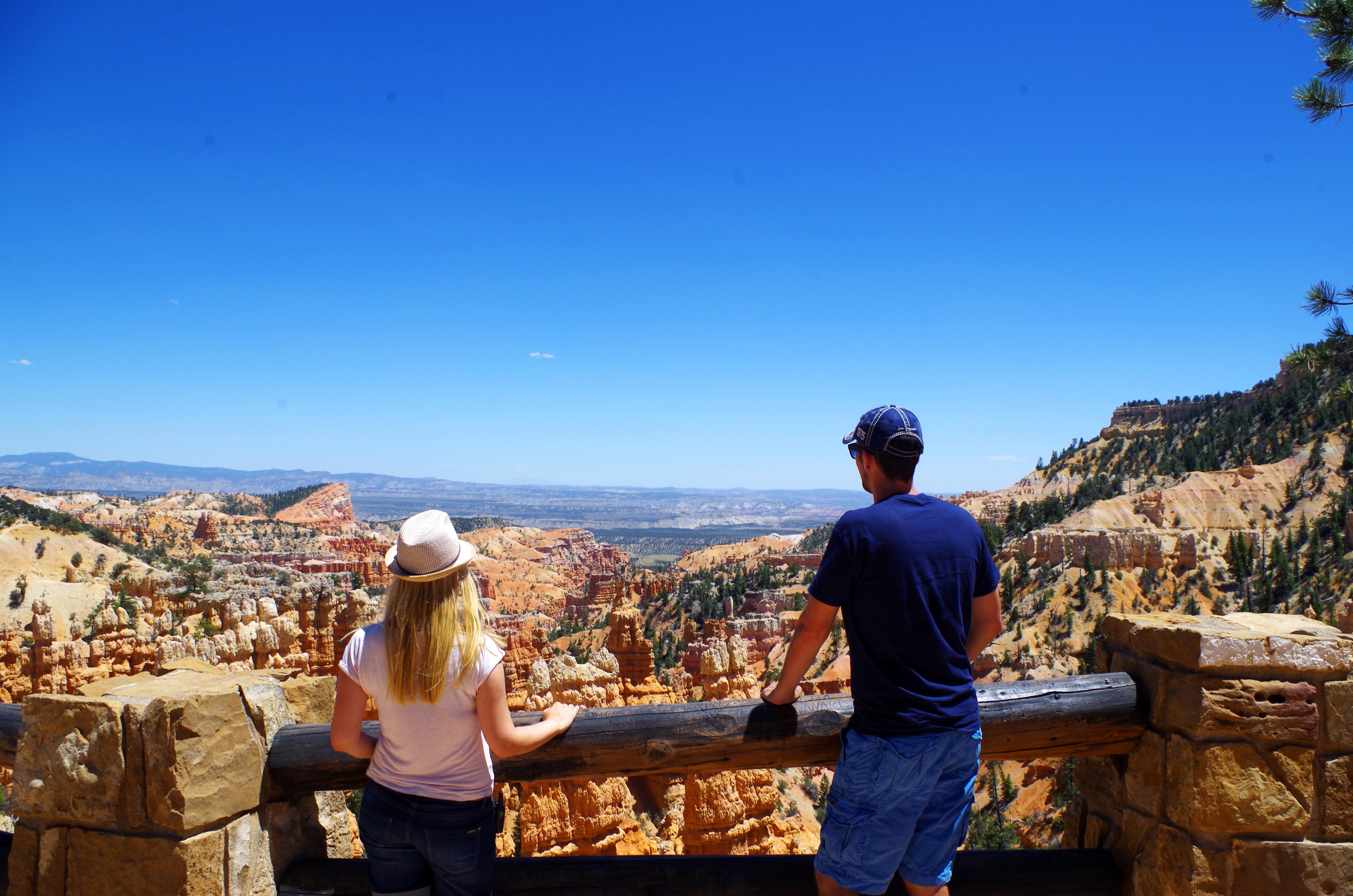 Der Blick vom Bryce Canyon Rim hat uns direkt in seinen Bann gezogen