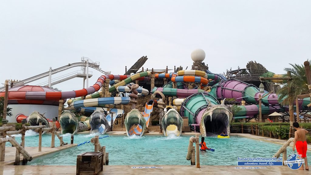 Snake Slides in der Yas Waterworld